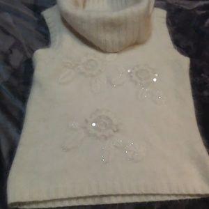 Cashmere cache sweater